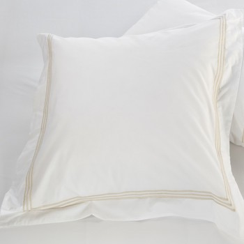 Euro oxford pillowcase white & almond Elba
