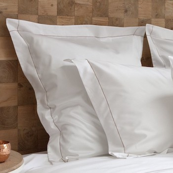 Euro oxford pillowcase white & caramel Tremiti