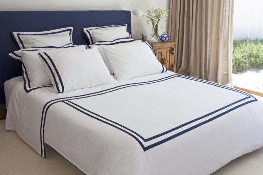 Super King size sheet set white & navy Formentera