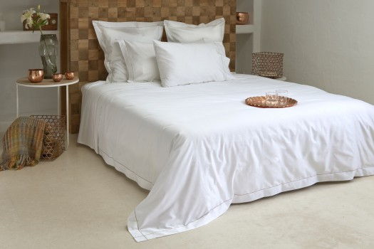 ... Double Bed Fitted Sheet 100% Egyptian Cotton White Tremiti.  TREMITI_600_Thread_Egyptian_Sateen_Fitted_Sheet_Chain_Stitch_Caramel