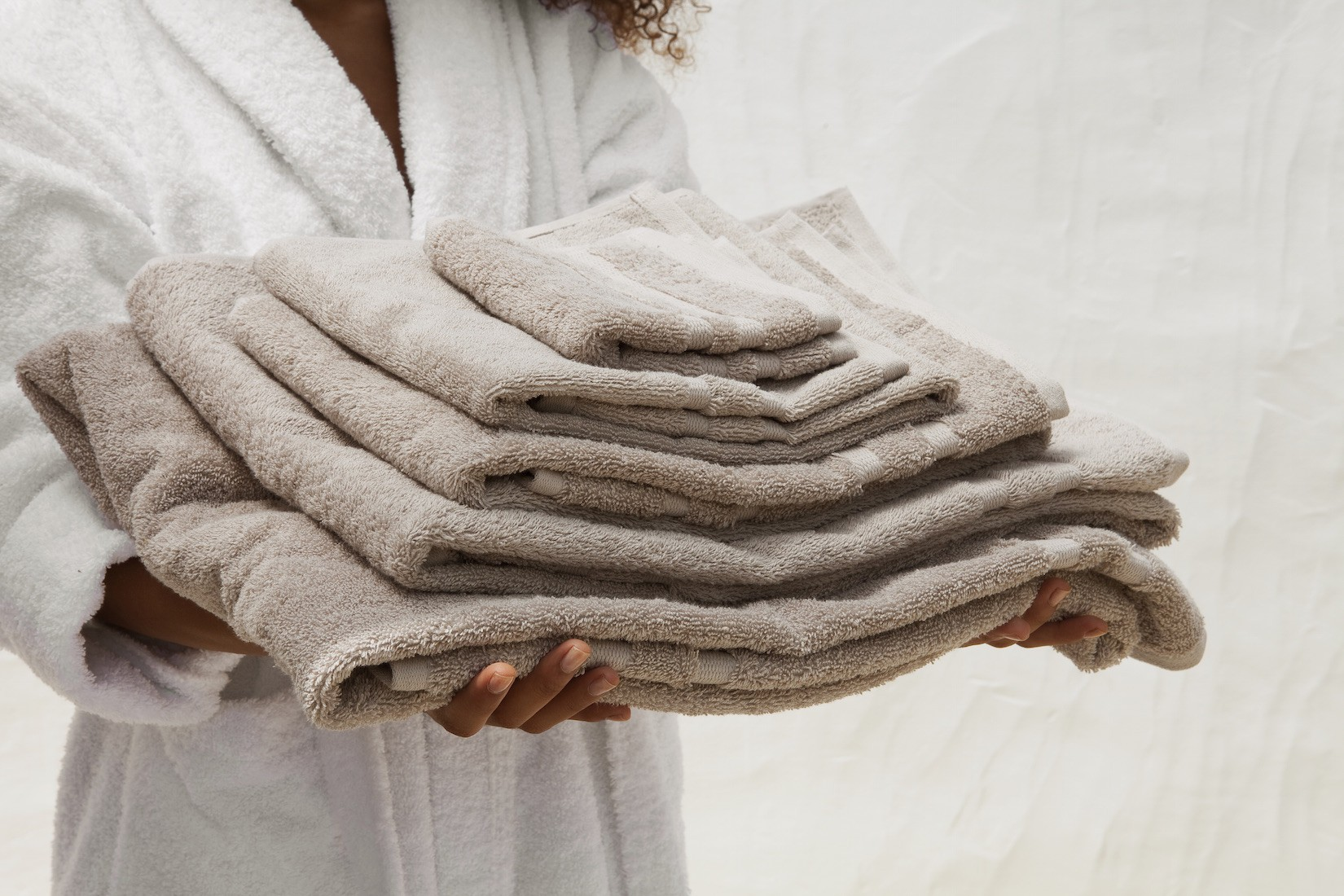 Egyptian_cotton_towels_DEIA-Living