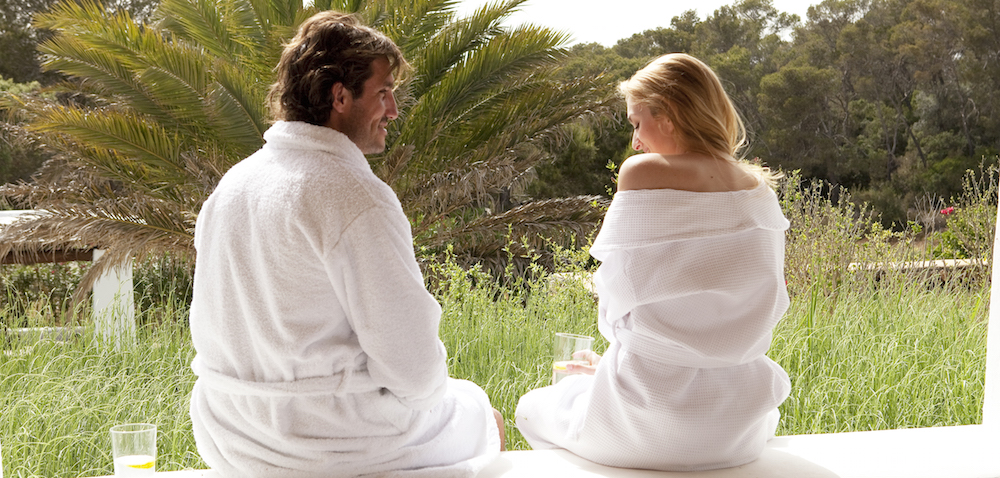 Couple_Robes_Afternoon_Romance