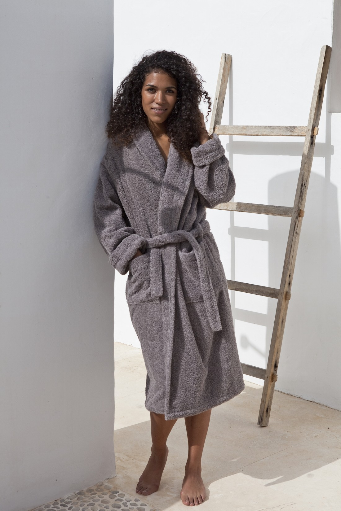 Luxury_terry_robe_hotel_luxe_deia-iiving